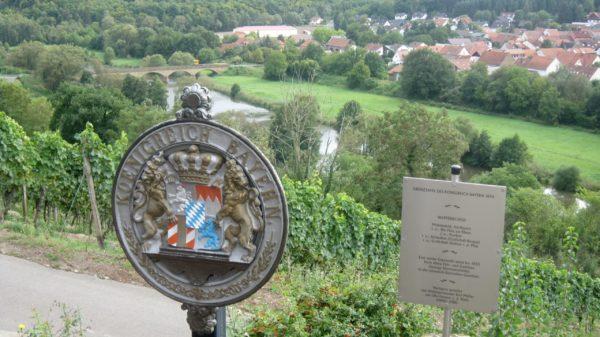 Hier verlief die Grenze zwischen... Bayern und Preussen !