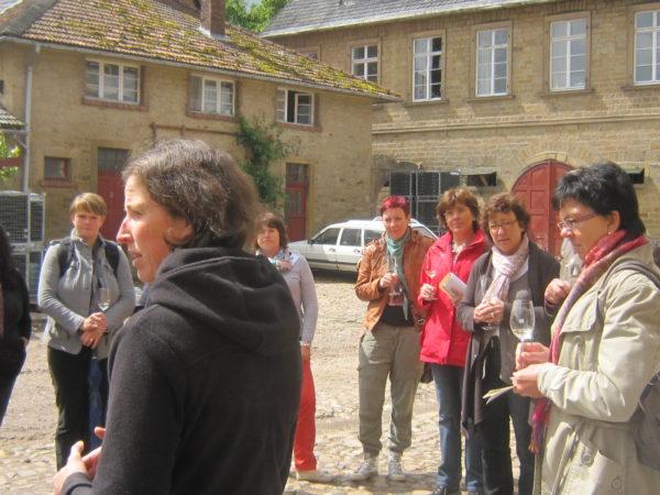 Weinverkostung auf dem Hof von Racknitz auf dem Disibodenberg
